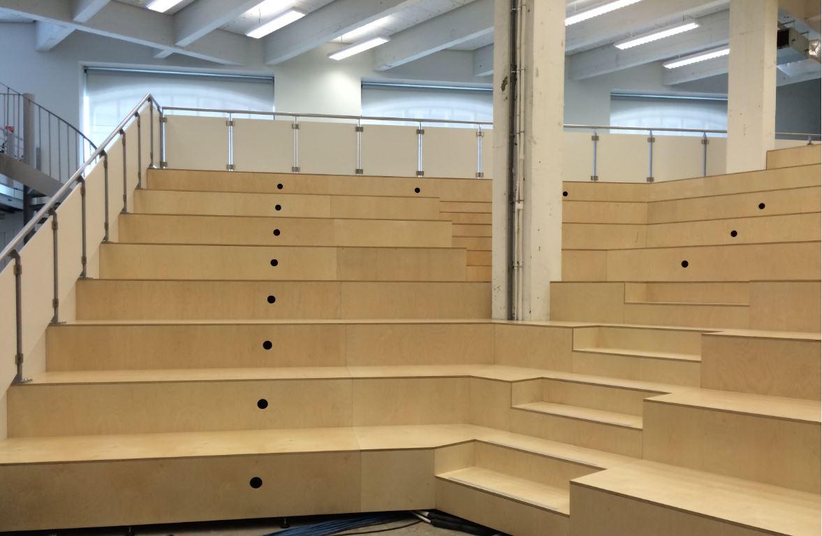 tribunes fixes amm am nagement. Black Bedroom Furniture Sets. Home Design Ideas